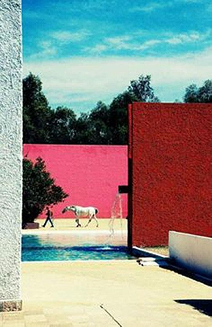 Stall, Pferdeschwimmbad und Haus von Louis Barragan (1976)